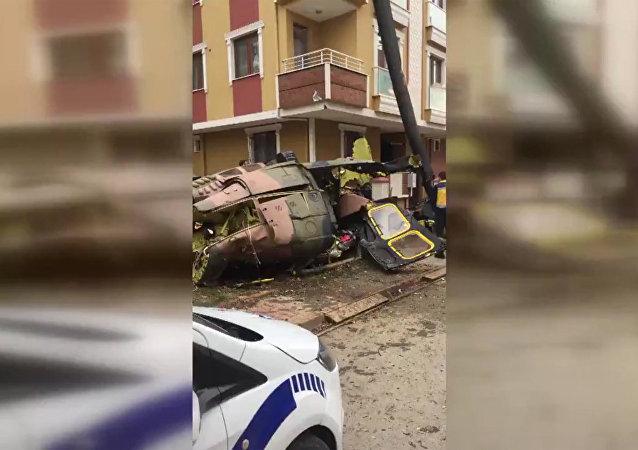 土耳其一架军用直升机在伊斯坦布尔坠毁 造成4人死亡
