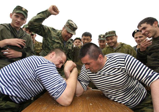 俄海军陆战队员