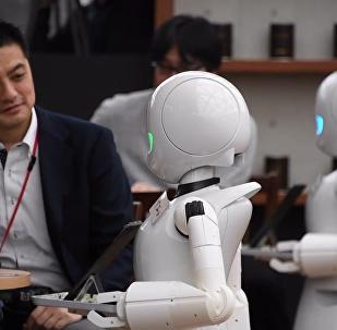 日本咖啡廳機器人服務員上線啦!