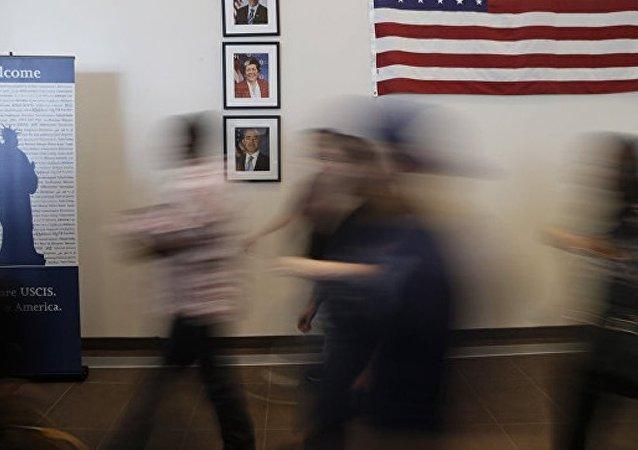 一移民因女兒在羈押中心關押後身亡向美政府索賠6000萬美元