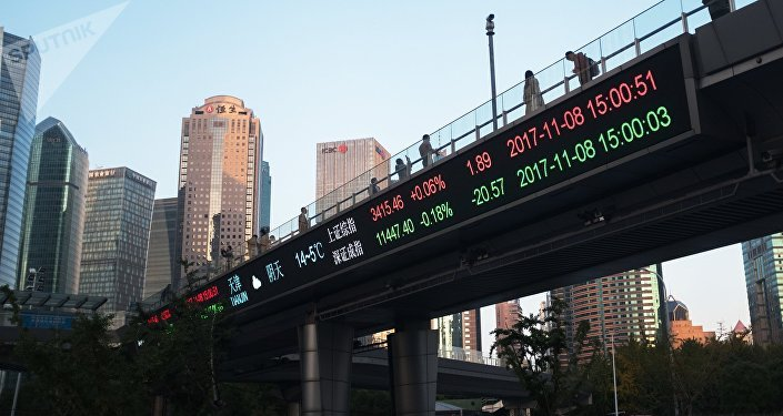 卢布和人民币向美元霸权地位发起挑战