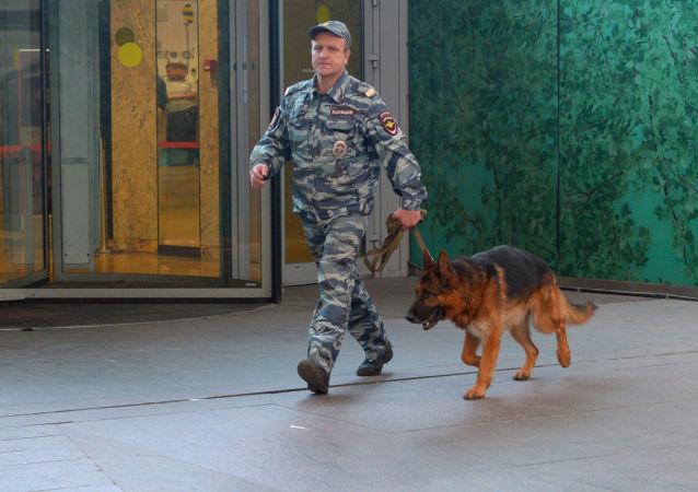 莫斯科12家商场及1座火车站因接到炸弹威胁电话进行疏散