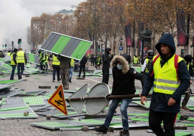 媒體:法國「黃背心」抗議活動又造成一人死亡