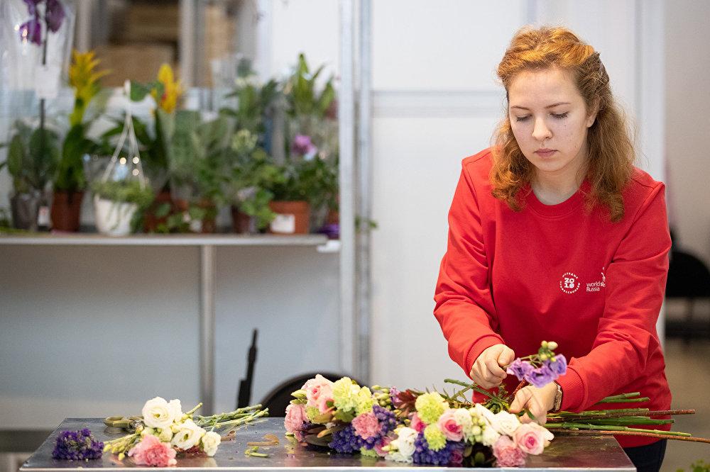 綴花藝術家競賽: 拉達·尼古拉耶夫娜用切花編花束