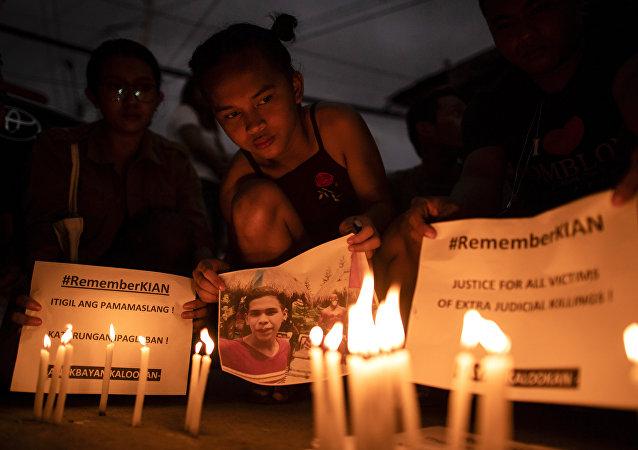菲律宾警察因谋杀少年获刑40年