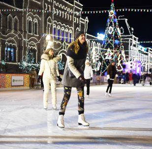 紅場上的古姆冰場和古姆集市於11月29日揭幕
