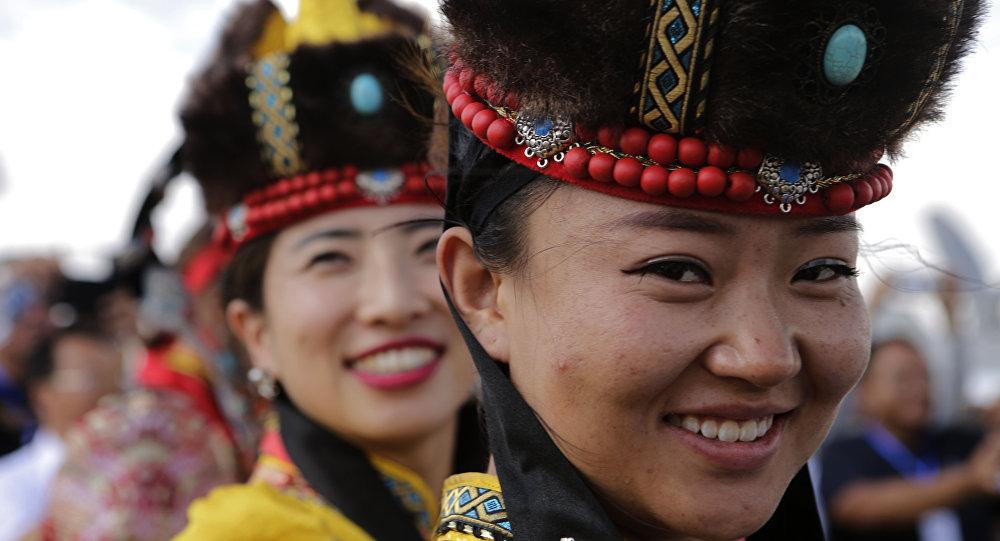 俄烏蘭烏德與中國虎林簽署加強旅遊合作協議