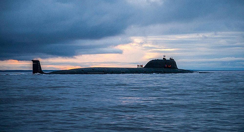 """俄""""北德文斯克""""号核潜艇在巴伦支海完成""""口径""""导弹实弹射击"""