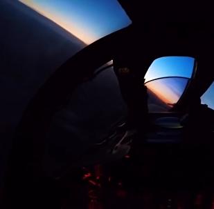 俄飛行員演練在復雜天氣條件下攔截假想敵