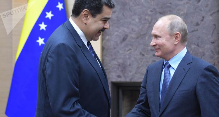 普京:俄方谴责任何武力改变委内瑞拉局势的企图
