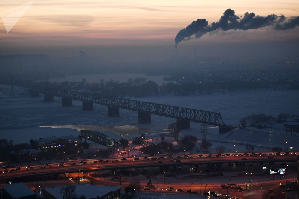 橫跨鄂畢河的立交橋和鐵路橋