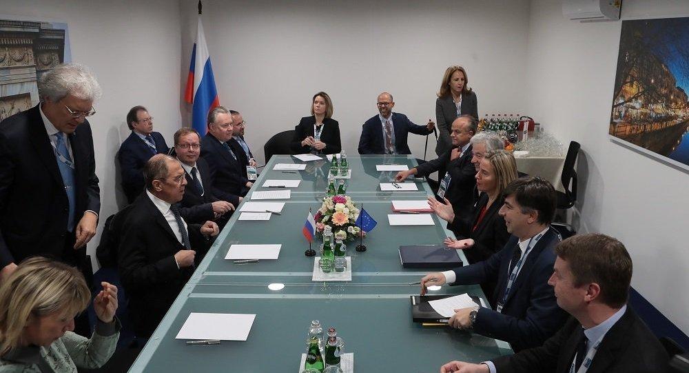 俄常駐歐安組織代表:拉夫羅夫與莫蓋里尼就《中導條約》問題進行討論