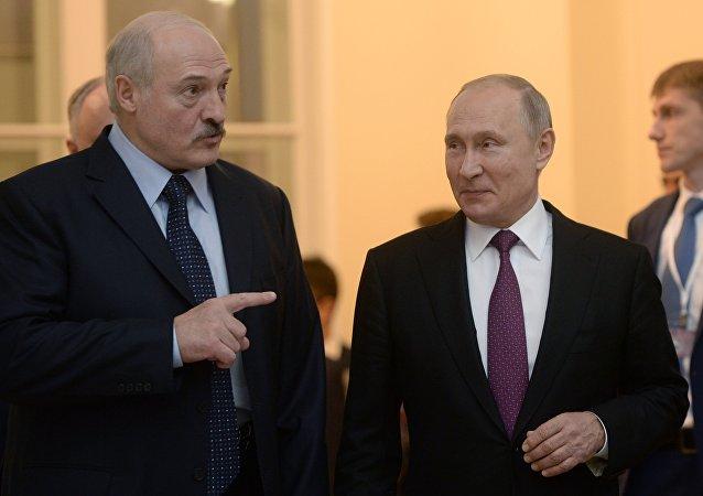 6 декабря 2018. Президент РФ Владимир Путин и президент Белоруссии Александр Лукашенко после заседания Высшего Евразийского экономического совета в расширенном составе.