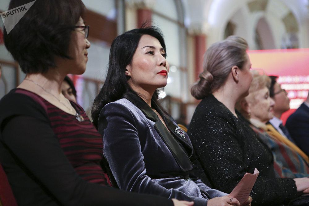 莫斯科中國文化中心舉辦時裝展慶祝成立六週年