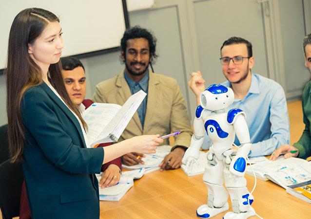 俄羅斯機器人「瓦尼亞」將教授中國學生俄語