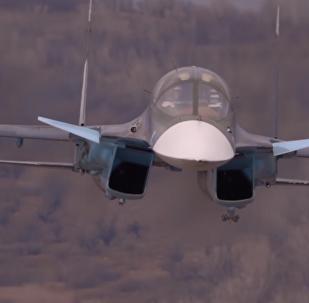 俄空天军苏-25和苏-34战机飞行员空中训练珍贵视频