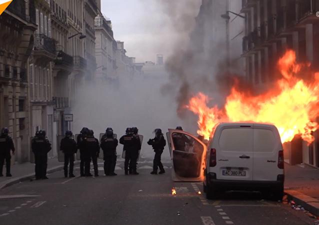 法國「黃馬甲」抗議活動