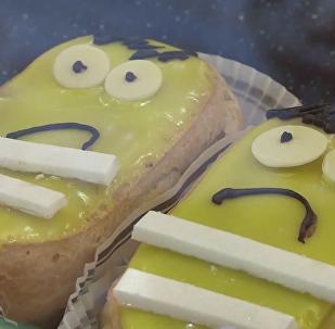 巴黎麵包店現「黃背心」抗議糕點