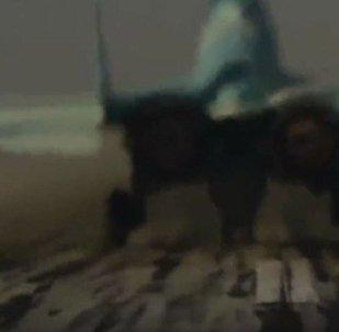 米格-35战机加大推力起飞的独一无二的视频被发布