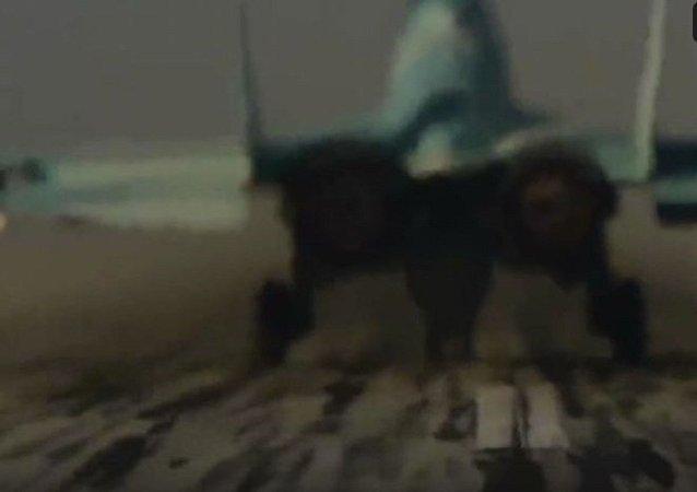 米格-35戰機加大推力起飛的獨一無二的視頻被發佈