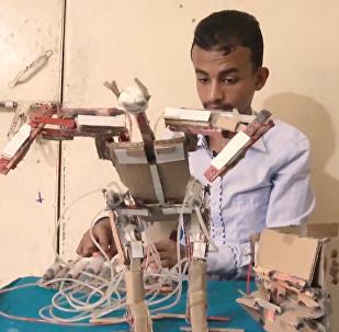 也门少年发明家: 战火也阻挡不住梦想!