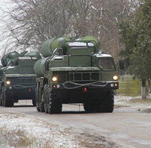 S-400在黑海沿岸地帶的演習中擊退「敵」密集導彈攻擊