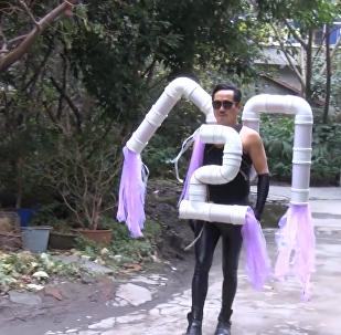 中国人变废为宝 用垃圾做衣服