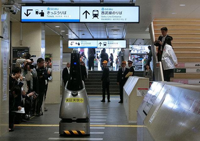 日本為籌備奧運會或在城市鐵路站上用機器人代替保安