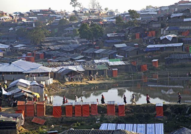 印度緊隨中國不顧西方強大政治壓力支持緬甸