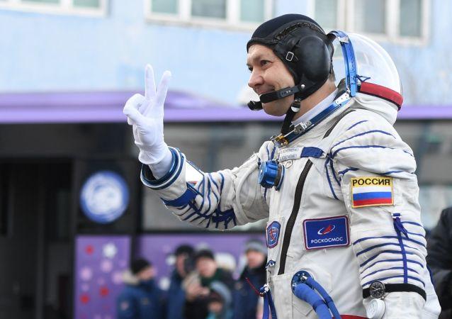 俄宇航員接任國際空間站指令長