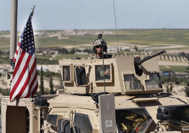 美国总统特朗普表示,向委内瑞拉派兵是正在考虑的行动方案之一