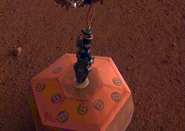 """""""洞察号""""火星探测仪把地震仪安装在火星表面"""