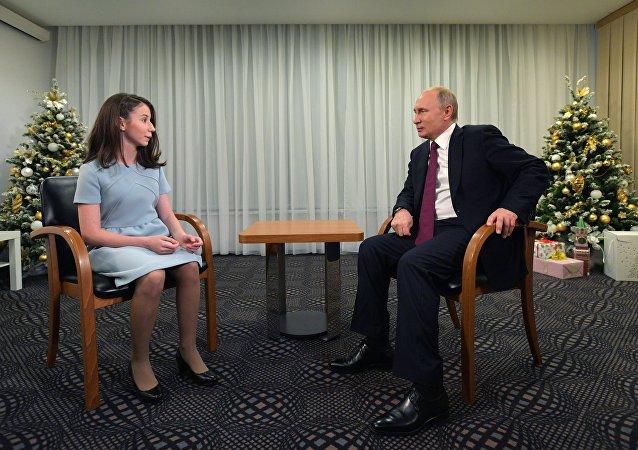 普京接受一名重病患兒採訪 幫助她實現夢想