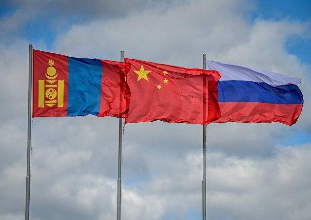 报告:中蒙俄经济走廊建设有利于深化三国友好合作并面临重要机遇期