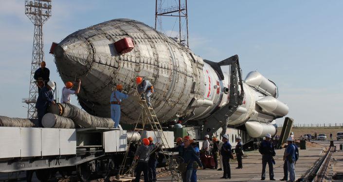 俄製造大功率「質子-M」號專用火箭向國際空間站發送「科學」號實驗艙