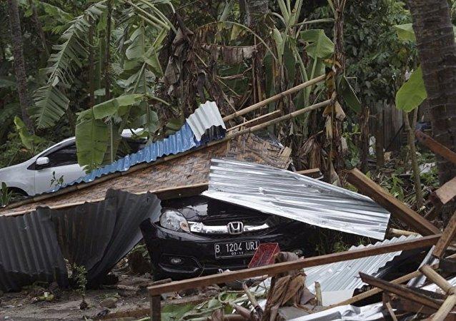媒体:印尼山体滑坡遇难者上升至31人