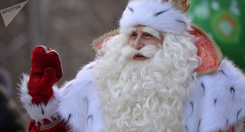 俄罗斯城市大乌斯秋格的圣诞老人