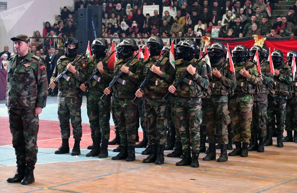 阿勒頗解放兩週年慶祝活動上的敘利亞官兵