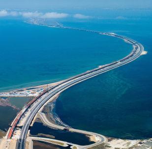 刻赤海峡大桥首次将克里米亚半岛和俄罗斯大陆连接起来