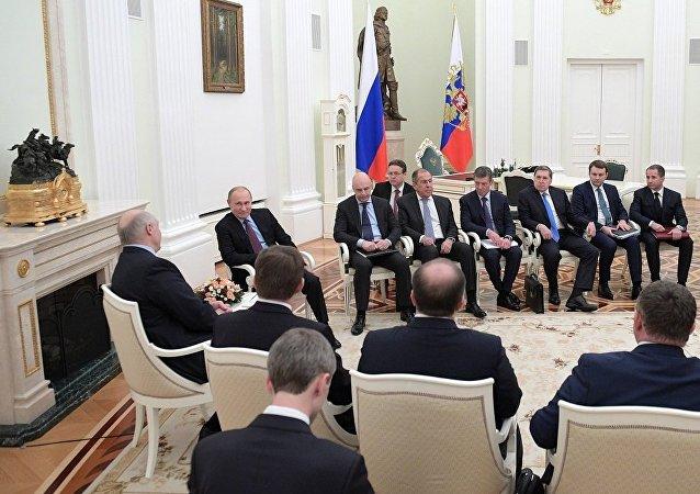 普京:莫斯科和明斯克的關係正積極發展 有理由對此滿意