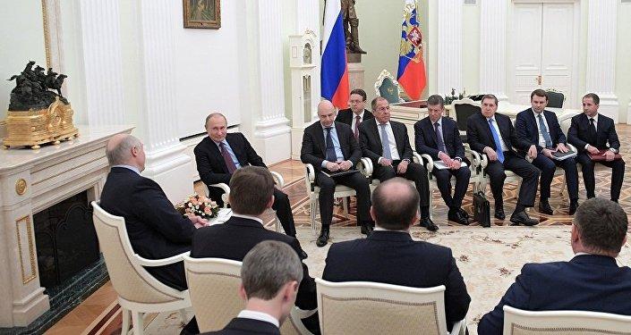 普京:莫斯科和明斯克的关系正积极发展 有理由对此满意