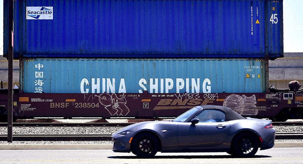 中国海关总署:2018年中国进出口规模创历史新高 贸易顺差收窄16%