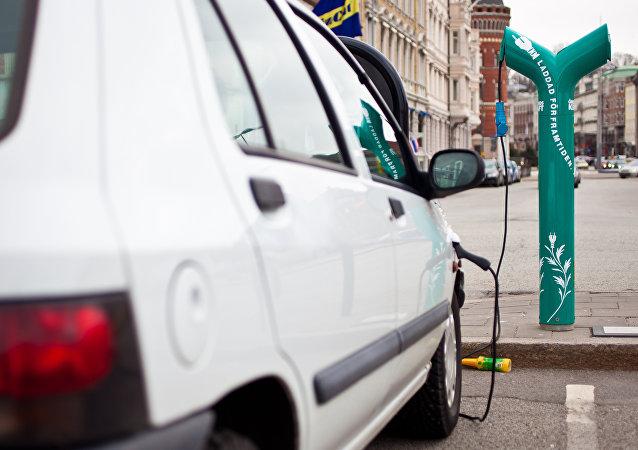 伊隆∙馬斯克承諾在整個歐洲為特斯拉汽車建加油站