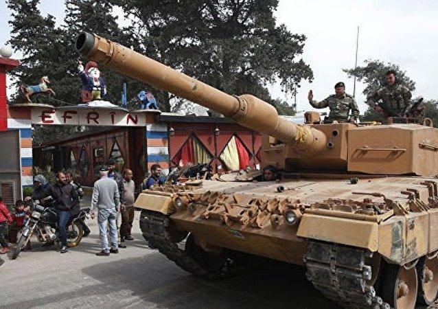 土耳其继续向土叙边境增派坦克和火炮