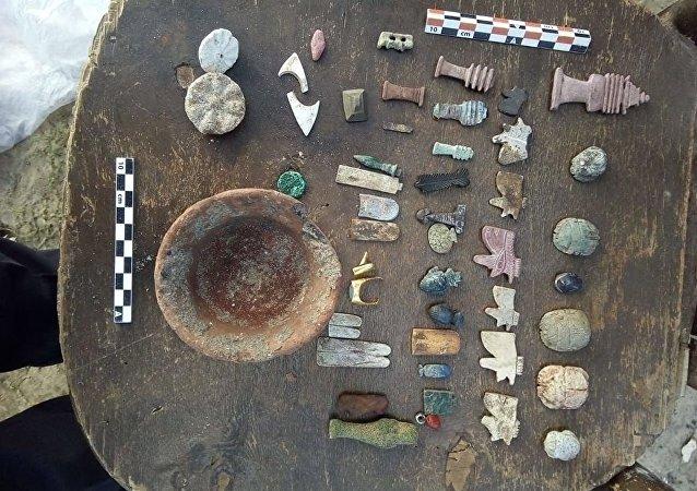 埃及文物事务部在地中海沿岸附近发现罗马时期的石棺