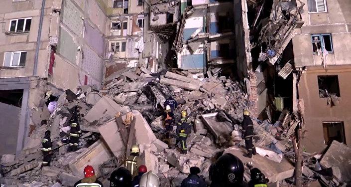 俄紧急情况部:马格尼托戈尔斯克居民楼爆炸事故死亡人数升至36人