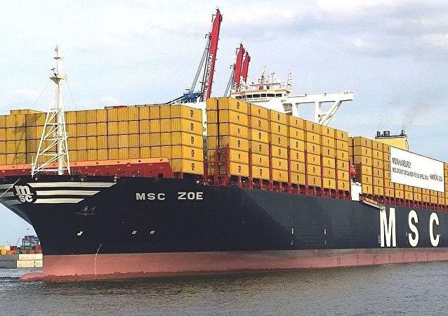 """MSC Zoe""号船"