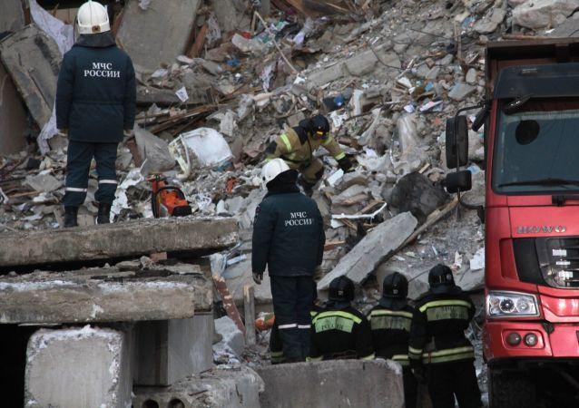 俄緊急情況部總局:燃氣爆炸現場依然存在建築坍塌危險
