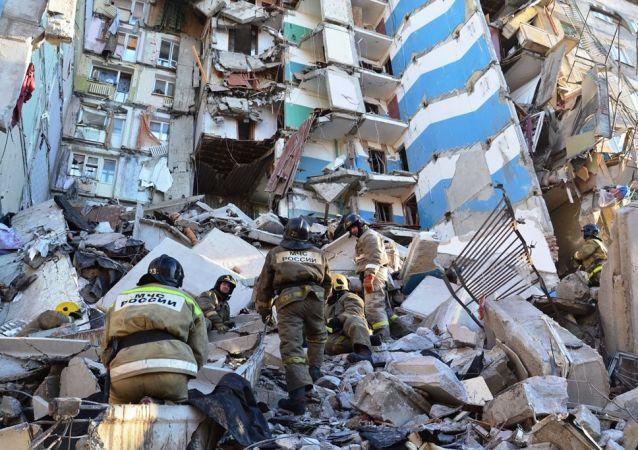 俄緊急情況部:救援人員挖出第38具馬格尼托戈爾斯克爆炸遇難者遺體