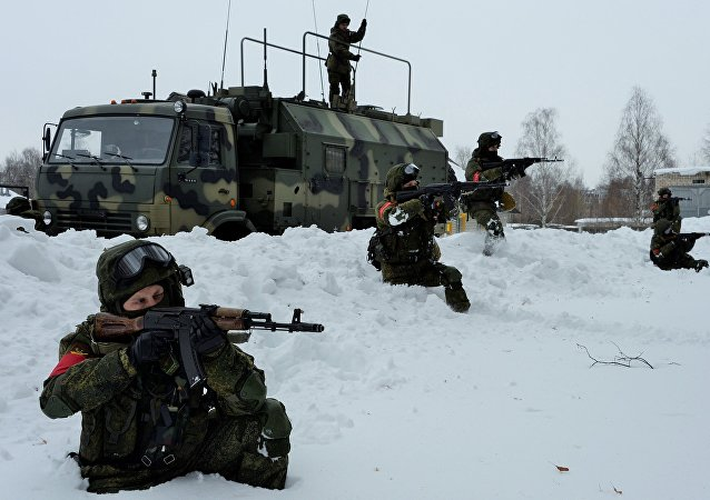 俄西伯利亚摩托化步兵列装现代化通信设备